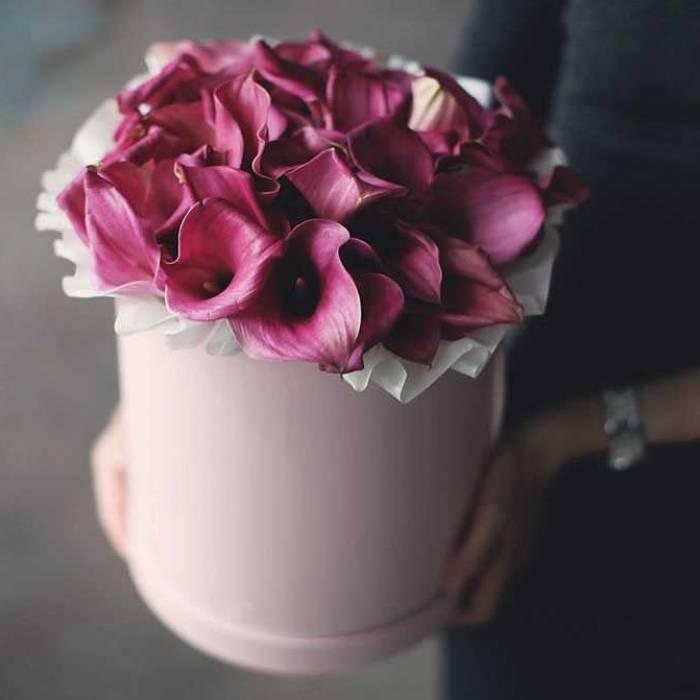 29 розовых калл в коробке R739